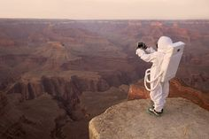 greetings from mars: how would humans act as tourists on the red planet?