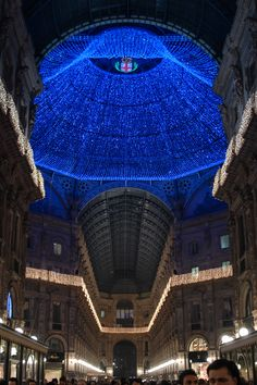 Christmas in Milan. Been there, seen this, breathtaking.