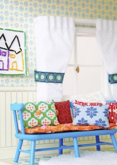 Doll up your doll's house without changing the furniture! New cushions, rugs, tablecloths and curtains all help give your home an instant boost. Visit Lundby.com/en to see how you can make your own accessories!