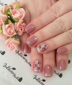 29 fotos de unhas com flores bonitas unhas decoradas curtas, unhas pintadas, unha decorada Classy Nails, Stylish Nails, Trendy Nails, Cute Nails, Manicure And Pedicure, Gel Nails, Acrylic Nails, Ombre Nail Designs, Cute Nail Designs