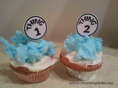 Thing 1 and Thing 2 Cupcakes from @Clair @ Mummy Deals are a great way to celebrate Dr Seuss! #drseuss #thing1