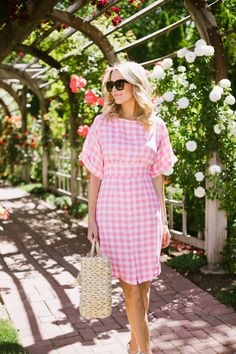 Summer Gingham - Laugh Tutorial and Ideas Adrette Outfits, Preppy Outfits, Preppy Fashion, Fashion Outfits, Work Outfits, Fashion Women, Preppy Mode, Preppy Style, Modele Hijab