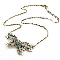 Fabulous design of necklace, love in it.。。。