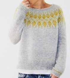 Nordic, simple and love the splash of colour Nordic, schlicht und liebe den Farbtupfer Diy Broderie, Icelandic Sweaters, Fair Isle Knitting, Pulls, Knitting Projects, Autumn Winter Fashion, Knitwear, Knit Crochet, Knitting Patterns