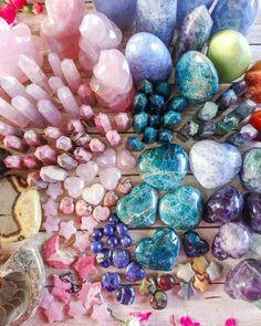 Crystal Magic, Crystal Healing Stones, Stones And Crystals, Gem Stones, Minerals And Gemstones, Crystals Minerals, Rocks And Minerals, Rue Saint Jacques, Crystals Store