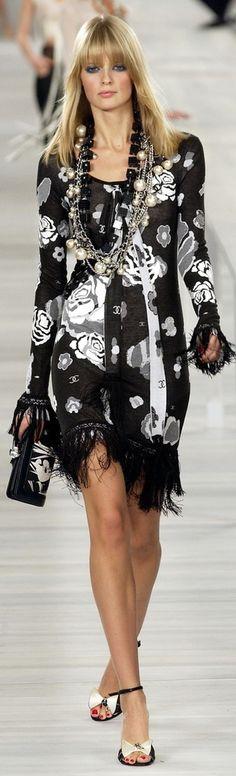 Karl Lagerfeld For Chanel Spring/Summer 2004