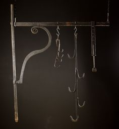 A Large Century Wrought Iron Chimney Crane with Pot Hooks Primitive Fireplace, Fireplace Tools, Primitive Kitchen, Country Primitive, Pot Hooks, Blacksmithing Ideas, Blacksmith Projects, Old Flame, Iron Work