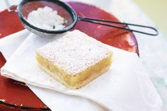 Special lemon slice : With just a few everyday ingredients, you can make this truly special zingy lemon tart. Sweet Recipes, Cake Recipes, Dessert Recipes, Lemon Recipes, Yummy Recipes, Xmas Recipes, Fodmap Recipes, Dessert Food, Dessert Bars