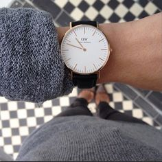 Make it to all of your holiday events on time with this minimalistic watch from @danielwellingtonwatches. #BlueflyHoliday #regram from @frenchiemarginel