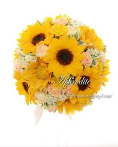 ウエディングブーケ専門ショップ・アフロディーテ(Wedding Bouquet Aphrodite) ガーリーなひまわりブーケ❤