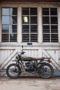 Custom Street Bikes, Custom Bikes, Scrambler Motorcycle, Motorcycle Gear, Cool Motorcycles, Vintage Motorcycles, Truck Accesories, Harley Davidson Custom Bike, Preppy Car