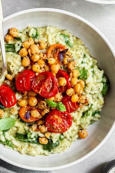 Pesto Risotto, Roasted Tomatoes & Chickpeas – Vegan & Gluten-Free – Crumbs & Caramel – Home & Women Veggie Recipes, Whole Food Recipes, Vegetarian Recipes, Cooking Recipes, Healthy Recipes, Vegetarian Roast, Vegan Roast, Cooking Rice, Veggie Meals