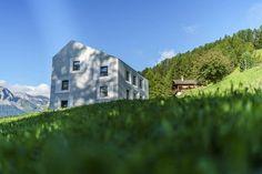 Die schönsten und speziellsten Schweizer Hotels, Herbergen und Hütten Das Hotel, Hotels, Mansions, House Styles, Places, Forest House, Double Room, Explore, Lugares