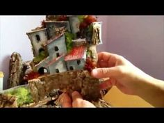 Art Tutorial - Constructing Small Art Houses with Found Objects - YouTube Casette del presepe