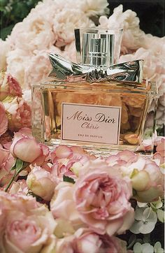 Miss Dior Chérie, best perfume hands down. not much required