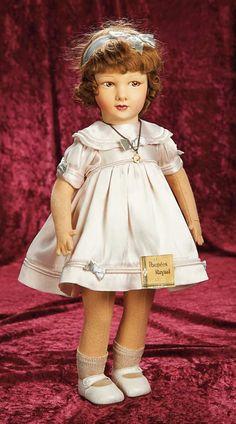 Old Dolls, Antique Dolls, Vintage Dolls, Porcelain Doll Makeup, Porcelain Dolls Value, Fine Porcelain, John Wright, Dolly World, Short Curls