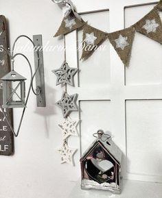 Kokulutaş yıldızlı asılabilen süs yaptım ⭐️⭐️ Ahşap merdivenlerde yada pencere raflarda çok hoş duruyor ⭐️ Pencere rafım @caglashandmade #konsept #kokulutas #kokulutaş #yıldız #shabbychic #sunum #sunumönemlidir #home #homesweethome #evim #sweethome #dekoratif #dekorasyon #dekorasyonfikirleri #decoration #cumartesi