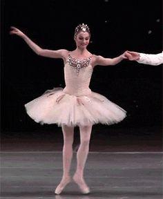 Oksana Skorik dancing Diamonds from 'Jewels' Ballet Dance, Ballet Skirt, Australian Ballet, Ballet Costumes, Perm, Ballerinas, Dancing, Diamonds, Snow