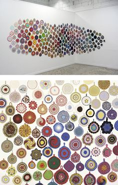 The fabulous Ann Tuominen collected crocheted pot holders from flea markets in her native Finland for a 2012 exhibit at the Nordic Watercolor Museum in Sweden. Can you see the polymer clay cane possibilities in her work? Crochet Mandala, Crochet Art, Crochet Patterns, Crochet Birds, Crochet Style, Crochet Food, Crochet Things, Crochet Animals, Vintage Potholders