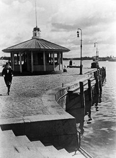 Helsinki, Pohjoisranta. (Pälsi Sakari, Valokuvaaja 1930) Helsinki, Good Old, Finland, Gazebo, Past, Scenery, Outdoor Structures, Architecture, City