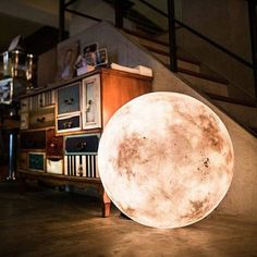 Check out this awesome moon lamp @istandarddesign