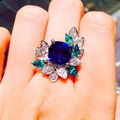 Diamond Rings : This is a beautiful Myrna Stavisky certified royal blue sapphire 5.34 carat in