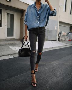 Casual chic chambray shirt with black heels, handbag and distressed denim jeans. Casual chic chambray shirt with black heels, handbag and distressed denim jeans. Mode Outfits, Jean Outfits, Casual Outfits, Heels Outfits, Look Camisa Jeans, Look Fashion, Winter Fashion, Womens Fashion, Ladies Fashion