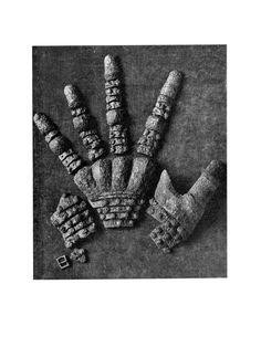 Gauntlet Fragments, Historiska Museet, Stockholm ref_arm_1338 Date: 1340