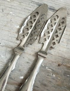 Pastis Spoons FleaingFrance Brocante Society    Repinned by www.silver-and-grey.com