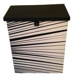 Postkasse i svart og hvit✉️