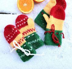 140842274_422683232286278_5274480049237209335_n-001 Christmas Ornaments, Holiday Decor, Threading, Christmas Jewelry, Christmas Decorations, Christmas Decor
