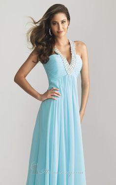 I love the diamond design on this dress! #TopshopPromQueen
