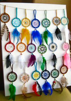 NEW➳➳ VOITURE ☾ DREAMCATCHERS Lun dun aimable dreamcatchers, soigneusement main ouvrée avec corde de Suède, diverses breloques / Perles et