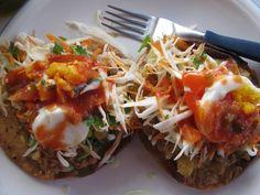 Honduran Enchiladas very good and tasty Honduran Recipes, Mexican Food Recipes, Ethnic Recipes, Honduras Food, Enchiladas, Spanish Dishes, Comida Latina, Caribbean Recipes, Latin Food