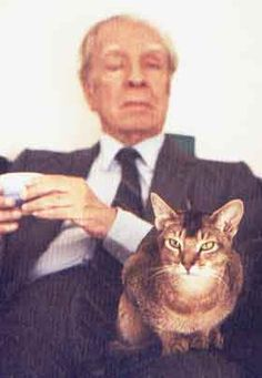 Jorge Luis Borges con gatto