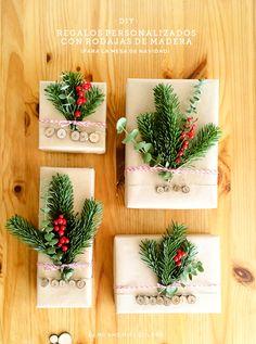 Como envolver regalos de navidad con rodajas de madera