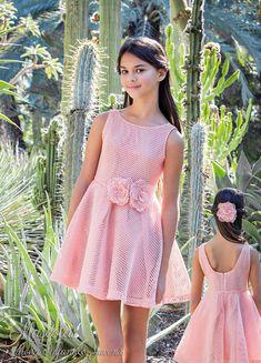 Tienda de moda infantil y juvenil. Cute Little Girl Dresses, Girls Formal Dresses, Super Cute Dresses, Dresses Kids Girl, Cute Girl Outfits, Cute Young Girl, Pretty Dresses, Kids Outfits, Teen Girl Poses