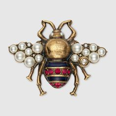 Bee brooch with crystals and pearls - Gucci Gifts for Women Gucci Jewelry, Bee Jewelry, Gothic Jewelry, Antique Jewelry, Vintage Jewelry, Women Jewelry, Dainty Jewelry, Luxury Jewelry, Jewelry Watches