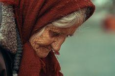 Age portrait #portrait #woman #worldphotoorg #worlpressphoto #bbcphotography #age #portraitphotography #streetphotography #street #photographer #ig_romania #romaniamagica #romaniaascunsa #instapic #photooftheday #romania #streetportrait