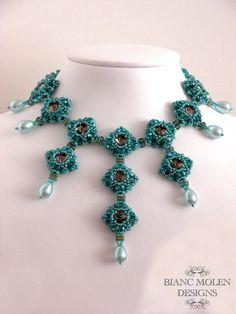Lady Evanthia bead weave pattern for a от BiancMolenDesigns