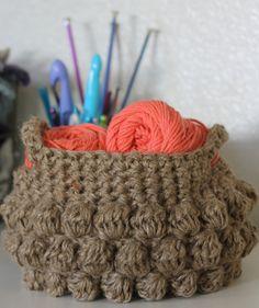 Jute Bobble Stitch Bubble Basket | Fight the clutter with this beautiful crochet bobble stitch basket.