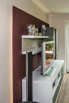 indirekte Beleuchtung der Wohnwand/ Inneneinrichtung Corner Desk, Furniture, Home Decor, Best Husband, Indirect Lighting, Interior, Homes, House, Corner Table
