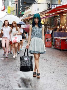 korean street style, seoul outfit snap - La Carmina is hosting a travel TV show in Asia, for Travel Channel! More info about this upcoming TV series, plus La Carmina's Kpop guide to Seoul, Korea >> http://www.lacarmina.com/blog/2015/06/hongdae-karaoke-kpop-makeup-travel-channel/  cute kpop hongdae shops