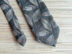 Vintage Necktie with Leaves Soviet Retro by VintagePearlHunt