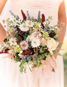 "Romantic Scottish Wedding Inspiration from the ""Outlander"" - Outlander berry inspired bouquet"
