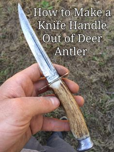Deer antlers make beautiful knife handles that are durable and can last a lifetime. Using Deer Antlers for knife handles is a great way to use a piece of the deer that might otherwise be… Deer Antler Crafts, Antler Art, Deer Antlers, Deer Horns Decor, Deer Antler Decorations, Deer Hunting Decor, Deer Heads, Deer Camp, Antler Jewelry