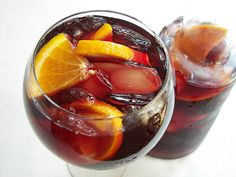 Sangria anyone? But what wine do you use in sangria? Summer Drinks, Cocktail Drinks, Fun Drinks, Beverages, Party Drinks, Sangria Recipes, Cocktail Recipes, Wine Recipes, Margarita Recipes