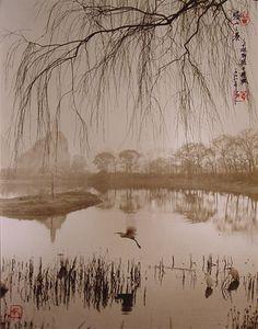 Belleza, Silencio, Armonía, Serenidad… Don Hong-Oai Don Hong-Oai nació en 1929 en la ciudad de Guangzhou, en la provincia de Guangdong, China. Siendo el menor de 24 hermanos y hermanastros, f…