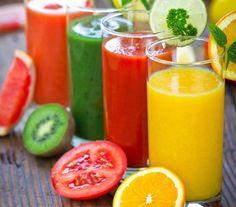 3 RECEITAS DE SUCOS DESINTOXICANTES  Suco desintoxicante Ingredientes: - 4 cenouras sem casca - Suco de 2 limões - 1 colher (sopa) de linhaça triturada  Suco desintoxicante e antiansiedade Ingredientes: - 1 limão pequeno - Suco de 2 laranjas-lima - 6 folhas de alface - ½ copo de água  Suco Digestivo Ingredientes: - ½ xícara cheia de melão - ½ xícara cheia de mamão papaya - 150ml de água de coco  * Modo de Fazer: Bata todos os ingredientes no liquidificador e beba em seguida