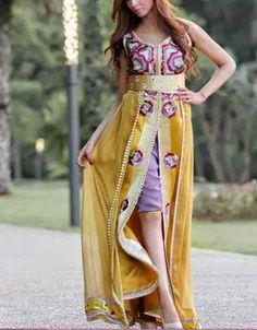 mon caftan  3 il est beau n est c pas    Mariée Marocaine ab1f74b3eb9
